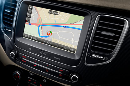 LCD Touchscreen Navigation with Apple CarPlay